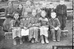 Кабанье 1956 г. Возле школы