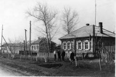Бывшее здание Народного суда и Дома пионеров по ул. Калинина 11