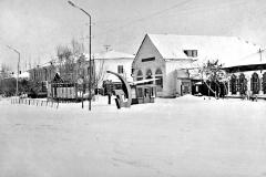 Гастроном на ул.Советской в 70-е. Рядом киоск Союзпечать
